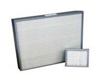 Filtre à air miniplis efficacité H13 et H14 avec plissement profond pour salles propres et blanches / Filtration à air H13 et H14 pour industries électroniques et pharmaceutiques