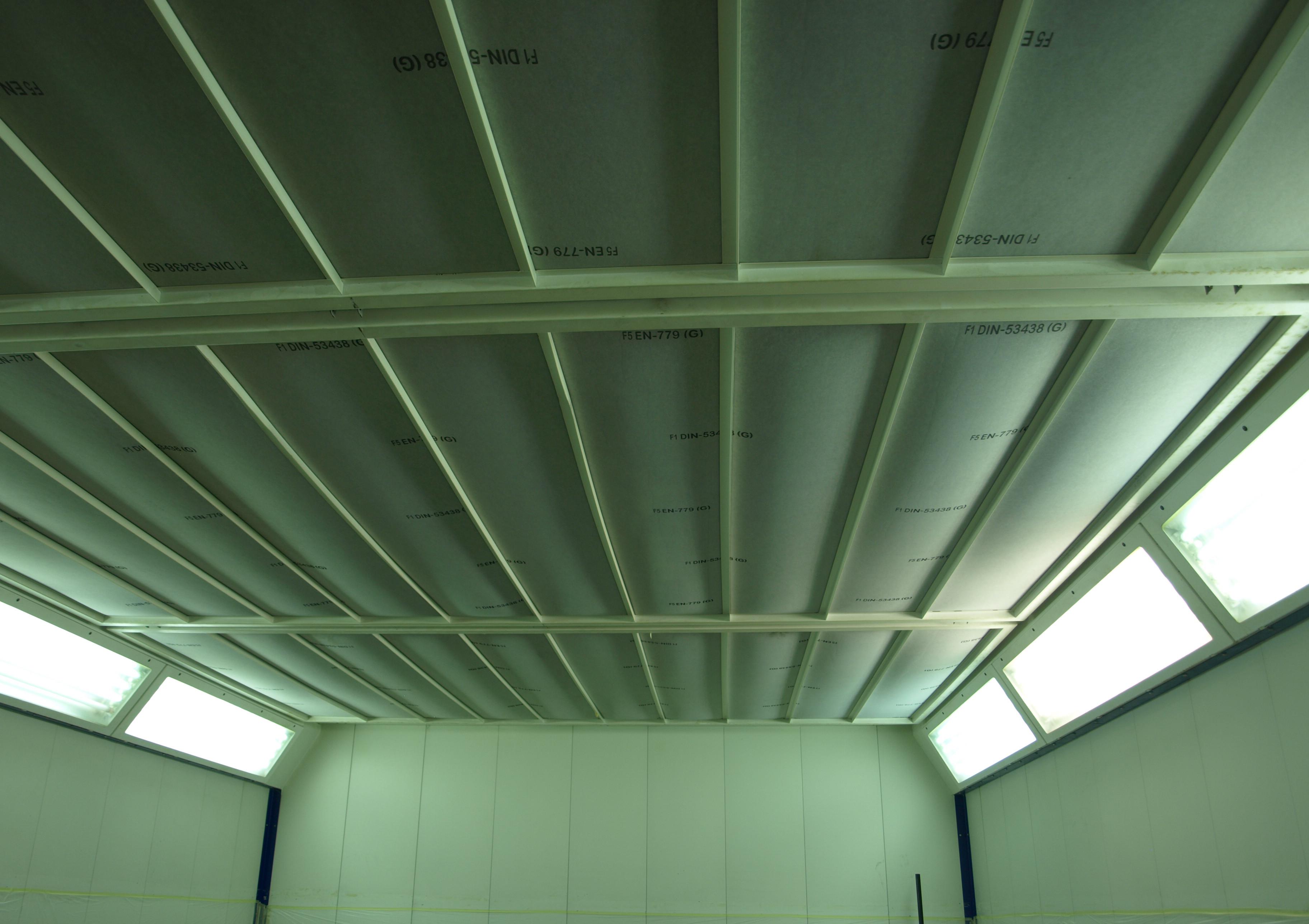 Filtre plafond dans une cabine de peinture - Isofilter