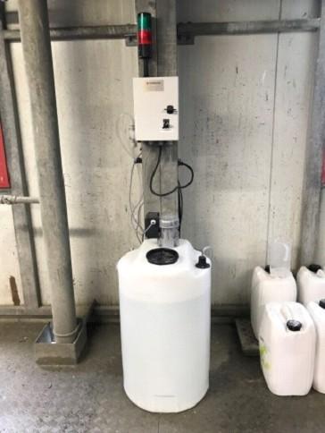 Cuve de floculant pour traiter de l'eau polluée