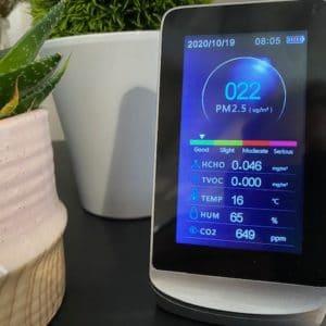Détecteur multi-paramètre particules fines PM 2,5, CO2, COV, HCO, T° et % humidité