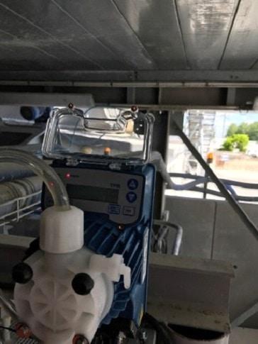 Pompe doseuse automatique pour injecter du coagulant